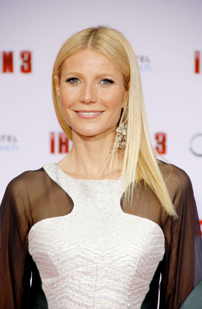 WTFSG-gwenyth-paltrow-straight-long-hair