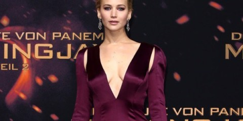 WTFSG_Jennifer-Lawrence-Hunger-Games-Mockingjay-Part-2-DiorCouture-Dress