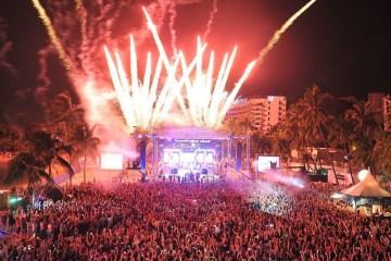WTFSG_Siloso-Beach-Party-2014-Fireworks