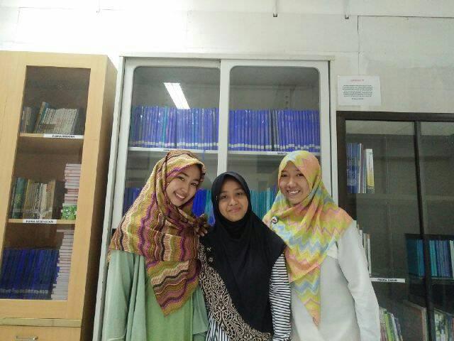 Dari kiri Juharni, Hasvirah Hasyim, dan Binna Fahriani Manda, Mahasiswa yang akan mengikuti Student Mobility Program di Australia.