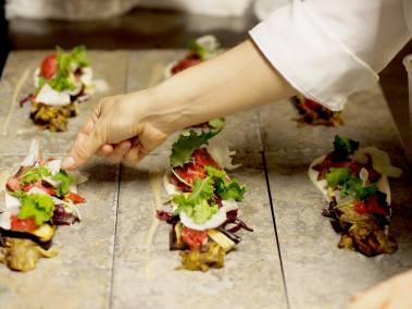 From Waste to Taste illallisannoksen valmistelua.