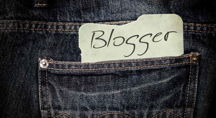 pants-jeans-list-paper-blogger