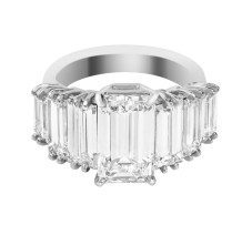 4. ANILLO DE DIAMANTES EMERALD CUT Y BAGUETTE