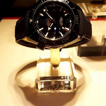 Omega-Seamaster-Planet-Ocean-Deep-Black-GMT-watch-58