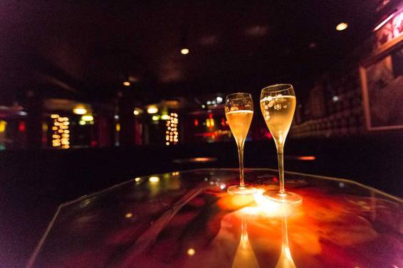 waterloo_champagne_glass