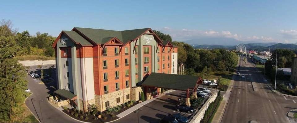 View of the Front entrance to the Hampton Inn Pigeon Forge and look down Teaster Lane 960