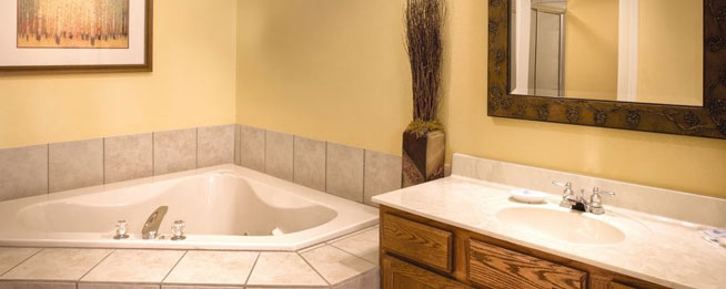 Large Master Bath with Jacuzzi Tub for two at the Wyndham Smoky Mountains wide