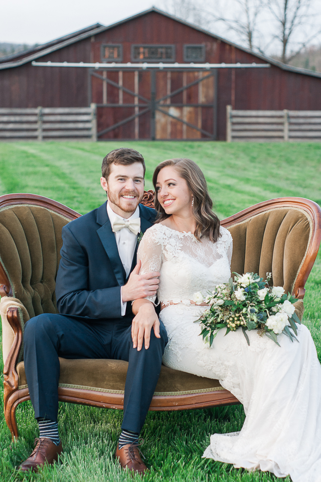 Rustic Barn Wedding Photos