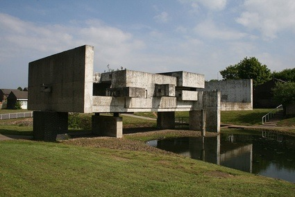 _o-The_Apollo_Pavilion_in_Peterlee.jpg