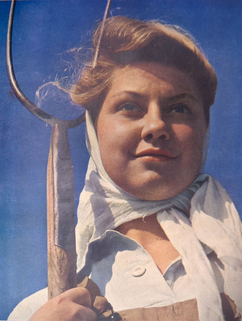 Land girl, 1940-1945. Courtesy of P G Hennell