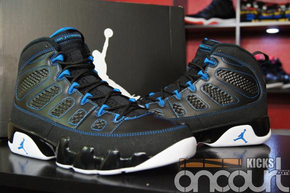 Air-Jordan-IX-(9)-Retro-Black-White-Photo-Blue-Detailed-Images-14