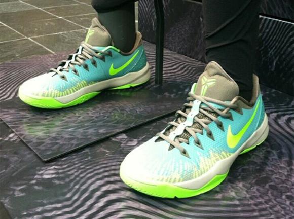 Nike Zoom Venomenon 4