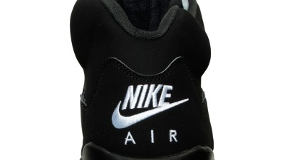Get an Official Look at the Upcoming Air Jordan 5 Retro in Black Metallic Silver 5