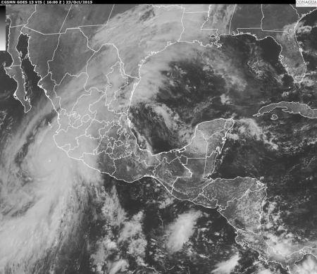 Huracán Patricia es el más poderoso registrado en el Hemisferio Occidental