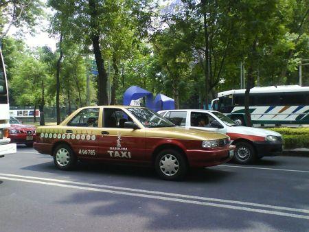 Taxis del DF tendrán aplicación similar a Uber