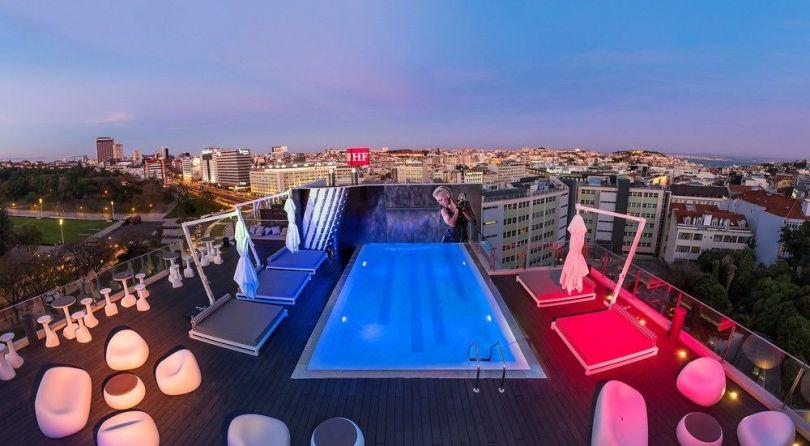 Piscine exterieure hotel 3 etoiles HF Fenix Music - Lisbonne