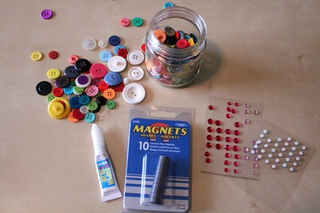 DIY Button 2 DIY: Cute as a Button Magnets