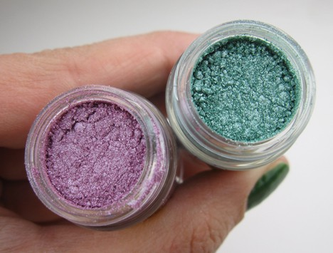 MACArchiePigment3 MAC Archie's Girls Pigments and Liners – review, photos, swatches & looks
