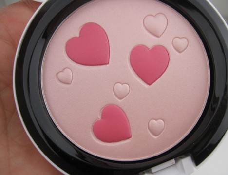 MACArchielips5 MAC Archie's Girls Lips and Cheeks – review, photos & swatches