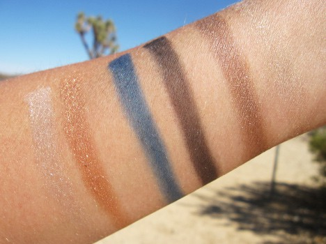 MAC-Divine-night-swatches