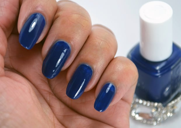 Essie Style Cartel swatches Essie Dress to Kilt Swatches and Review