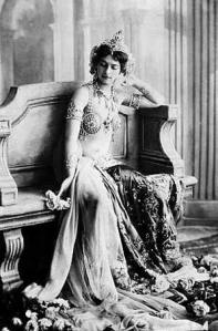 Mata Hari in costume