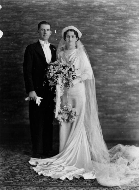 Vintage brides: 1930s wedding dress gallery – We Heart Vintage blog ...