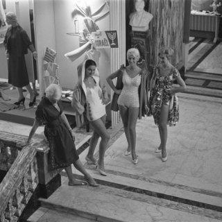 1950s swimwear