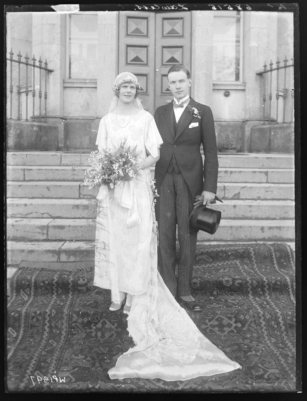 1920s wedding dress photo