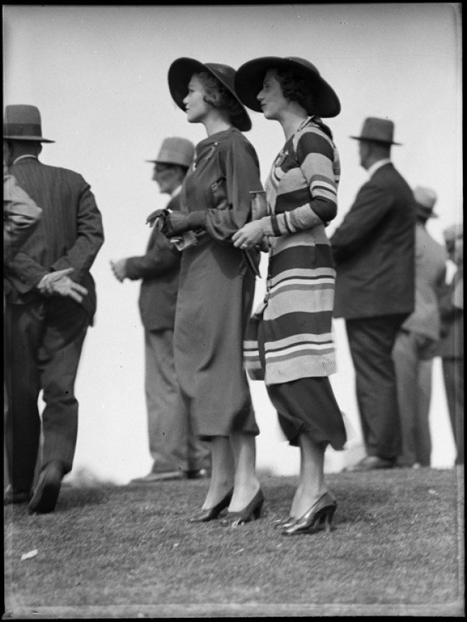 1930s race day fashions