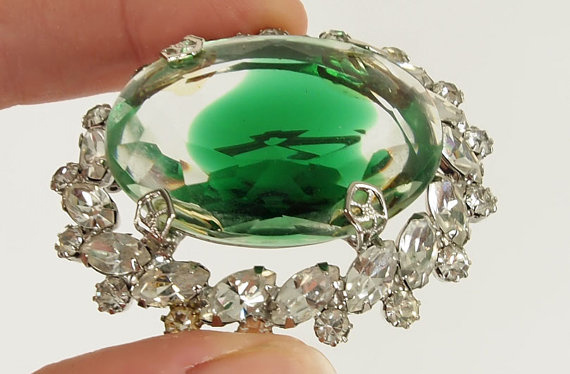 50s Large Emerald Green/Clear Glass and Rhinestone Brooch & Earrings