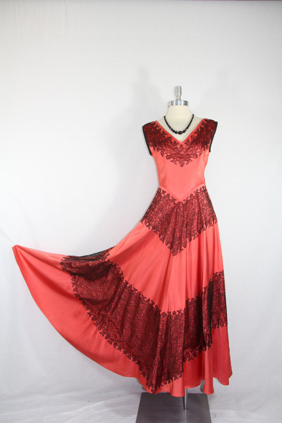 1940s Vintage Dress - Salmon Satin with Black Lace Wedding Party Prom Gown - Size Small