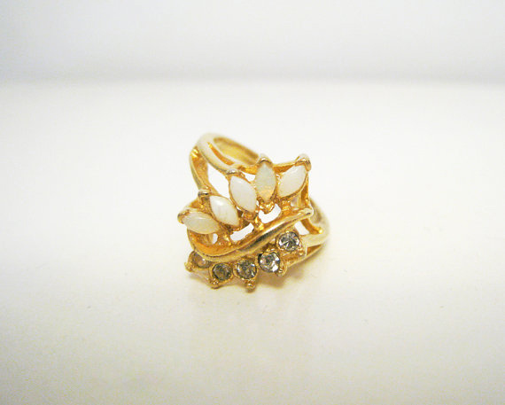 Vintage 1960's Gold Tone Ring with White Stones and Rhinestones