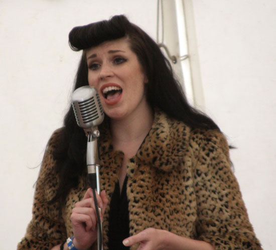 Vintage singer Noelle Vaughn at Brooklands