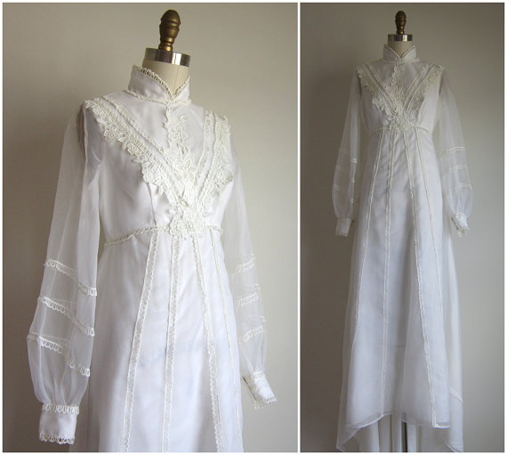 Vintage 1970s White Wedding Dress