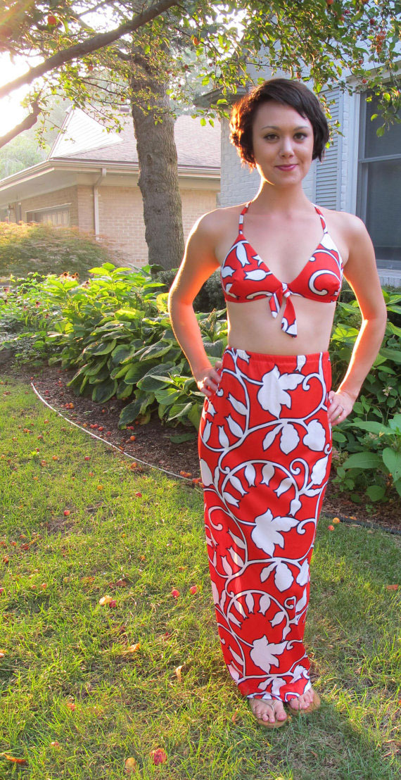 Vintage 1960s Hawaiian Beach Bullet Bra Bikini Top and Matching Skirt