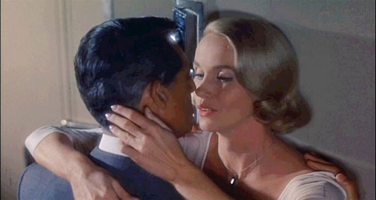 Eva Marie Saint and Cary Grant in 'North by Northwest'