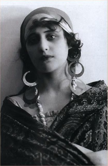 Russia's First Silent Movie Star: Vera Kholodnaya