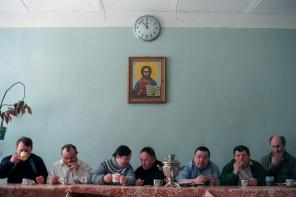 """Tea party of an """"Naive Theatre"""" of the sychiatric ward № 7, St. Petersburg. 2003"""