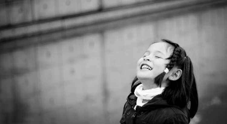 Zwei Dinge sollen die Kinder von ihren Eltern bekommen: Wurzeln und Flügel. - Zitat von Johann Wolfgang von Goethe
