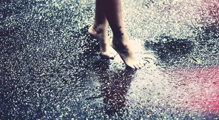 Ein Optimist steht nicht im Regen, er duscht unter einer Wolke. - Zitat von Thomas Romanus