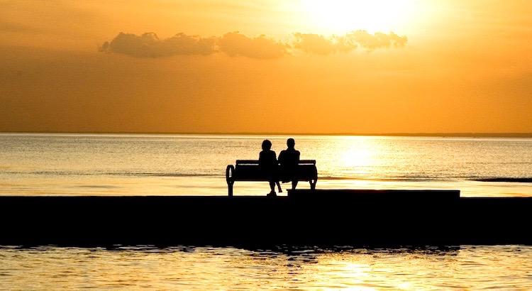Liebe gibt nichts als sich selbst und nimmt nichts als von sich selbst. Liebe besitzt nicht, noch lässt sie sich besitzen; denn die Liebe genügt der Liebe. - Khalil Gibran