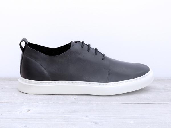 Polyforma_Sneakers_1