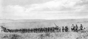 Feldkompanie von Lettow-Vorbecks Schutztruppe auf dem Marsch
