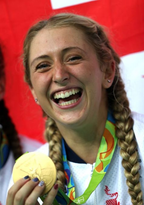 Great Britain's Laura Trott with her gold medal following the Women's Team Pursuit final on the eighth day of the Rio Olympics Games, Brazil. PRESS ASSOCIATION Photo. Picture date: Saturday August 13, 2016. Photo credit should read: David Davies/PA Wire. EDITORIAL USE ONLY