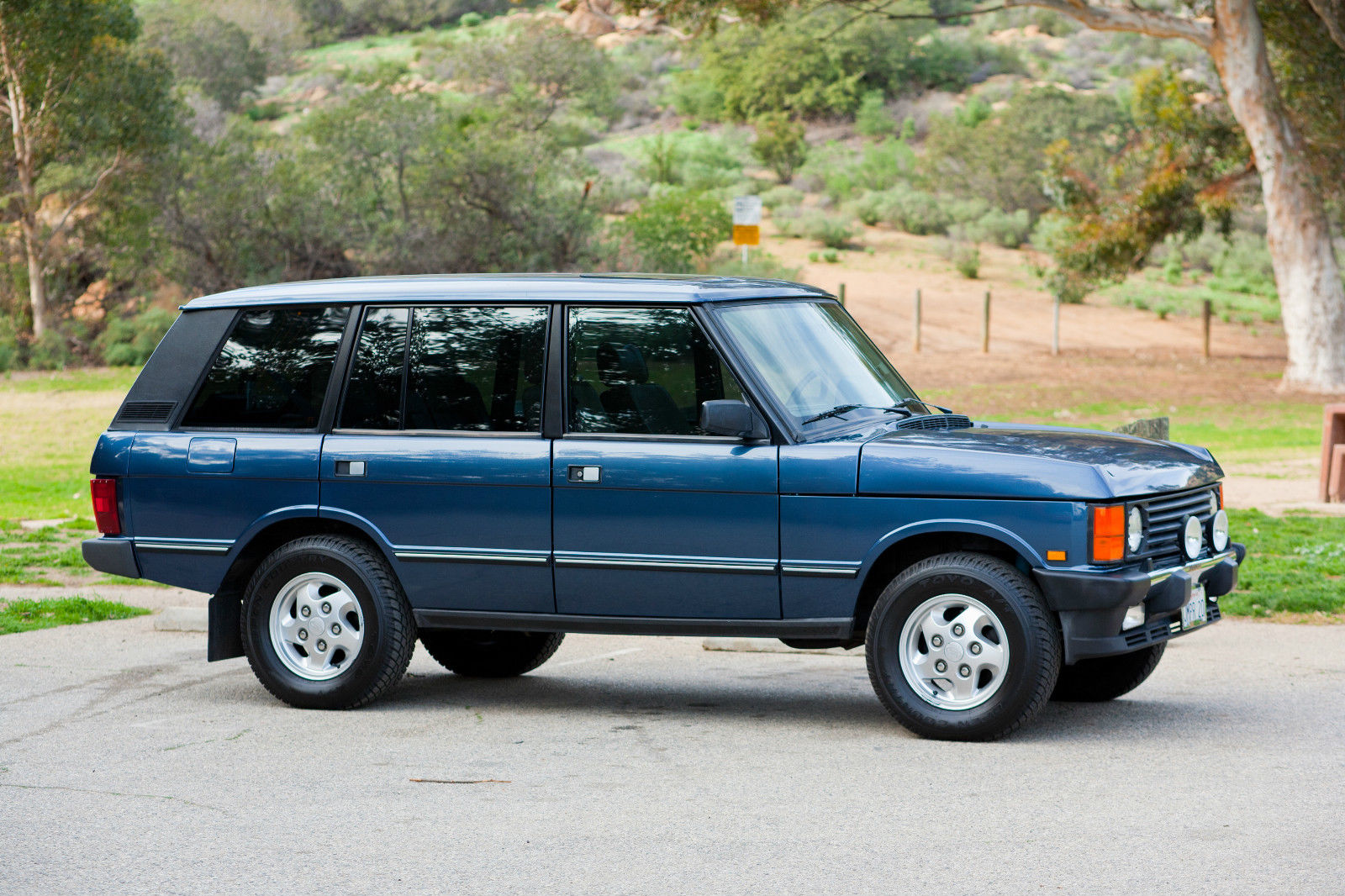 spotted 1995 range rover classic lwb for sale west county explorers club. Black Bedroom Furniture Sets. Home Design Ideas