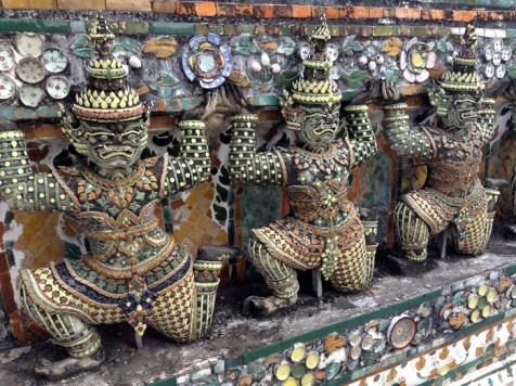 Wat Arun Soldiers