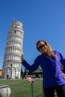 Kristin-&-Leaning-Tower-of-Pisa