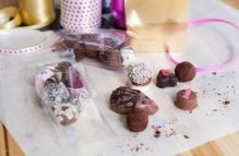 Chocolate Making Masterclass – Truffles Galore – Singles Event