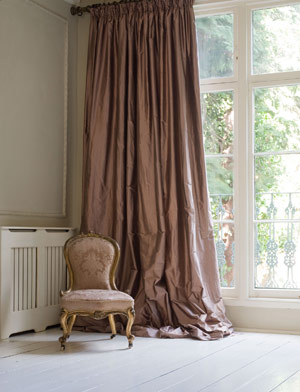 pooling  curtains